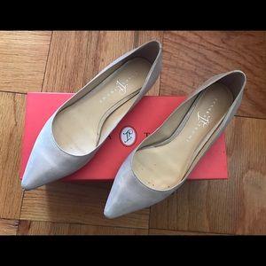Ivanka Trump Shoes - CLASSY IVANKA TRUMP NUDE GOLD POINTY TOE FLATS 6