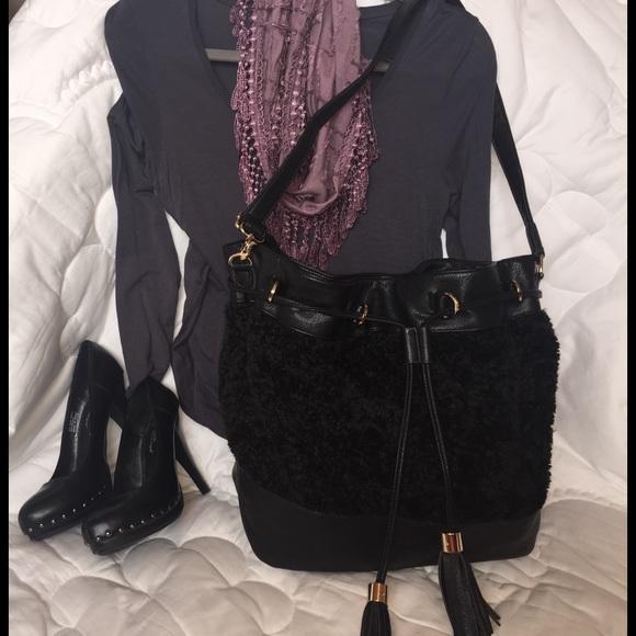 f7f8387779f7 Fabulous Furs Handbags - Donna Salyers  Fabulous Furs big tote bag 🖤🖤🖤