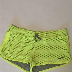 Nike Pants - 🆕 Nike reversible running shorts