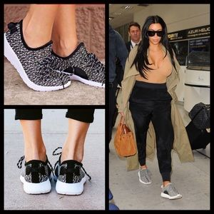 1 LEFT‼️Black & White Slip on Sneakers