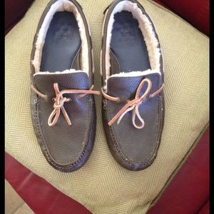 Cole Haan Other - COLEHAAN LEATHER SHEARLING LINED SLIPPERS SZ 10