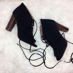 SPLENDID janessa black suede booties