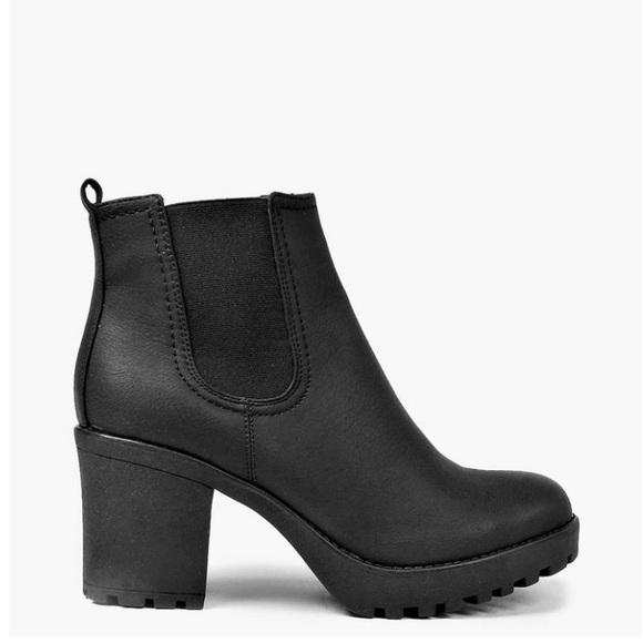 dec730ea9ac Boohoo Tia Chunky Cleated Heel Chelsea Boot