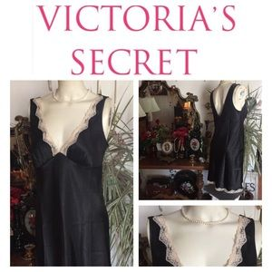 VICTORIA'S SECRET Black & Lace Nightie ~ Size S