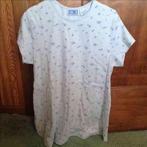 Woman's maternity medium top shirt