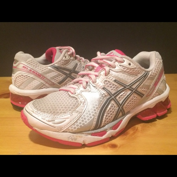 free shipping 43630 ae6b4 Asics Other - Girl s Size 1.5 Asics Gel-Kayano 17 Pink Shoes