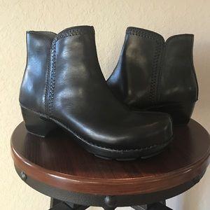 Dansko Shoes - Dansko Scout Black Leather Ankle Boots Size 40