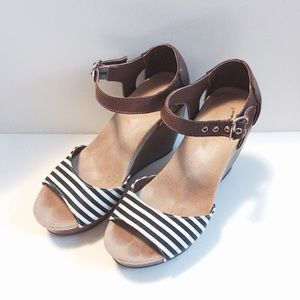 Dr. Scholl's Shoes - Dr Scholls milestone nautical wedges