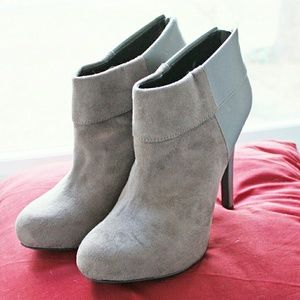 💣Jessica Simpson💣Audriana charcoal booties