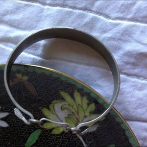Vintage Jewelry - Age of Aquarious Pisces Fish Etched Metal Bangle