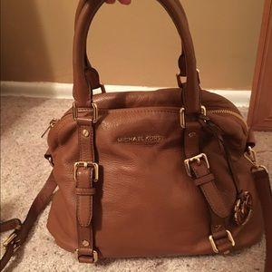 Michael Kors Handbags - Michael Kors tan handbag 👜