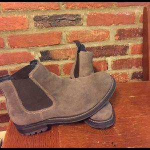 GBX Other - Men's Gbx chelsey boots size 9