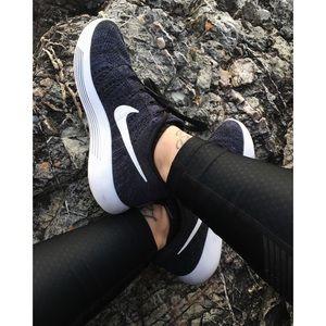 Nike Shoes - Nike Flyknit Lunarepic Low Sneakers