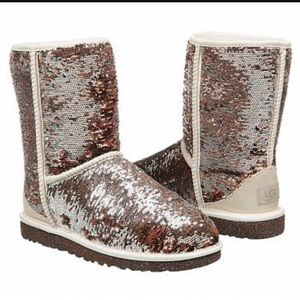 UGG Shoes - NWT, Ugg 🍾🍾Champagne🍾🍾Classic Short Sparkle