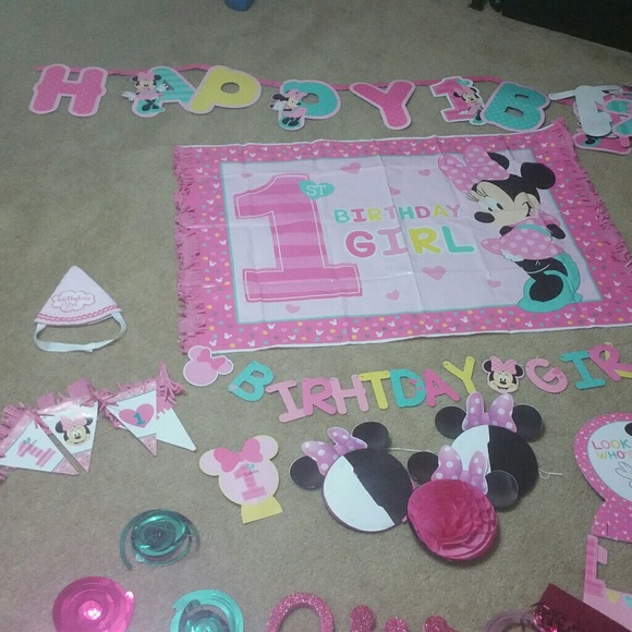 Minnie Mouse 1st Birthday Party Decorations M 58af88794e8d17fade001703