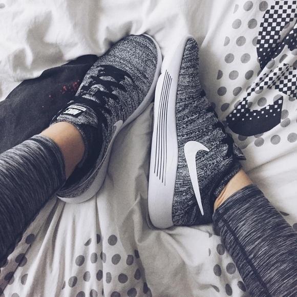 Nike Oreo Flyknit Lunarepic Low Sneakers 7607a016a34c