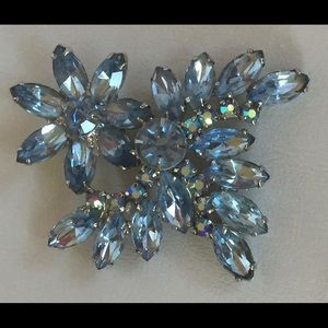 Jewelry - VINTAGE BROOCH LARGE BLUE WITH AURORA BOREALIS
