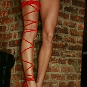 Electric Lingerie Red Twisted Leg Garter