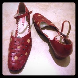 PIKOLINOS Shoes - Pikolinos red leather shoes