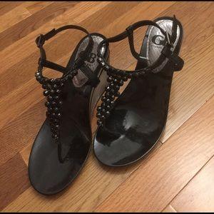 Gianni Bini thong wedge sandals