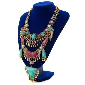 NWOT Long Statement Necklace