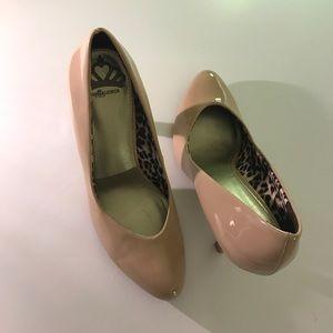 Fergalicious Shoes - NWOT Fergalicious by Fergie 👠