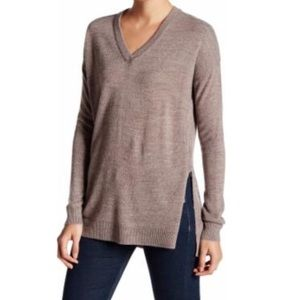 Sweet Romeo Tops - NWT Tan Sweater with Side Slits Sz Small Oversized