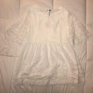 Chicwish White Lace Peplum Blouse S