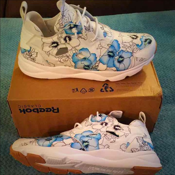 8cd03d02c96 Brand New Reebok Flower 3D Ultralite!PRICE FIRM!!!  M 58afc7328f0fc43ff6012d16