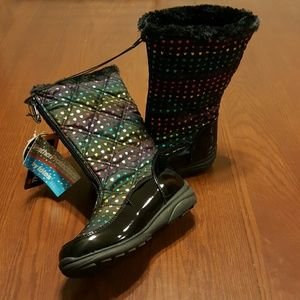 totes Other - TOTES Rainbow foil heart winter boots girls 3M