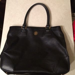 Tory Burch Handbags - Black Large Tory Butch Robinson Bag