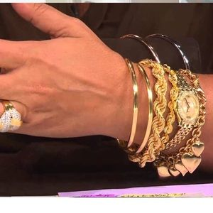 Anthropologie Jewelry - ❗️1 LEFT Anthropologie Chic Bangle