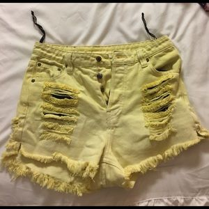 Somedays Lovin Pants - Mazzy star denim shorts - yellow!