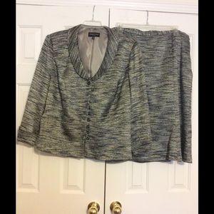 Isabel and Nina Woman Jackets & Blazers - Isabel and nina woman's suit.  STILL AVALIBLE