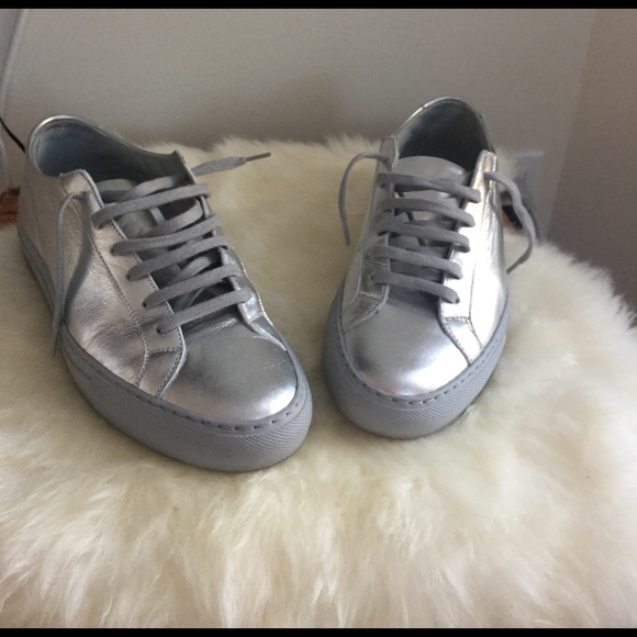 common projects sneakers sale 28 images common projects laceup sneakers 6011 shoes 11901551. Black Bedroom Furniture Sets. Home Design Ideas