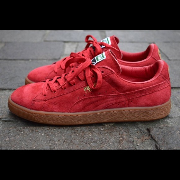 competitive price 82c43 6ecfd Puma red suede sneakers with gum sole