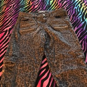 G by Guess Denim - 💥Guess leopard 👖 jeans