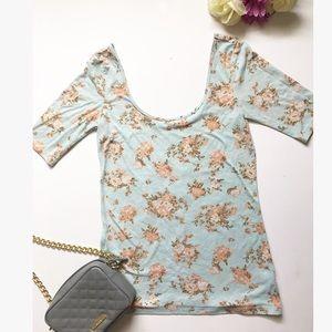 Kirra Tops - Flower off shoulder shirt 🌸