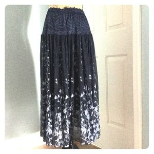 Dresses & Skirts - Lace floral skirt