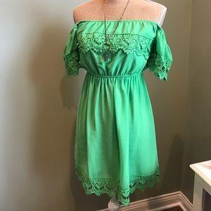 Umgee Dresses & Skirts - Umgee off the shoulder sun dress