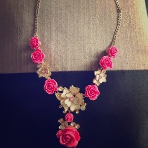 Amrita Singh Jewelry - Rose detail gold tone necklace