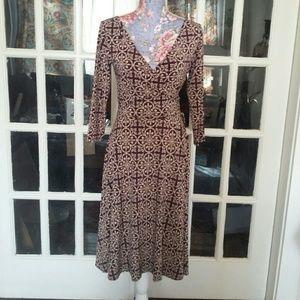 London Times Dresses & Skirts - London Times Stretchy Fleur de lis Dress EUC