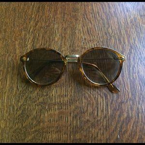 UO tortoise brown sunglasses
