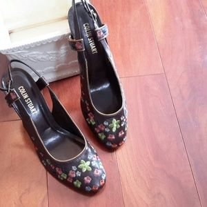 Colin Stuart Shoes - NIB Colin Stuart Embroidered Flower Heels, 10