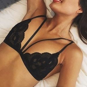 💥 NOW AVAILABLE Sexy Black Strappy Bralette