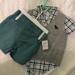 Cherokee Other - Sweater vest & shorts set