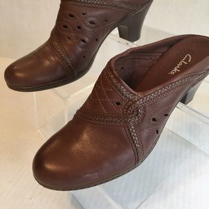 Clark's Shoes - NWOT Clark's Genuine Leather Mules