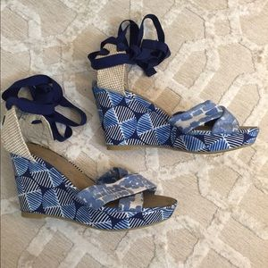 Old Navy Lace-up Wedges