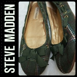Steve Madden Bow & Lace Flats
