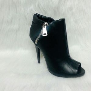 2xist Shoes - 387 Greyson Black Bootie